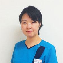 歯科医・金成(女医)
